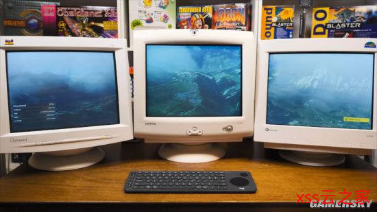 """玩家用3台CRT显示器玩《微软飞行模拟》:边框""""停飞机"""""""